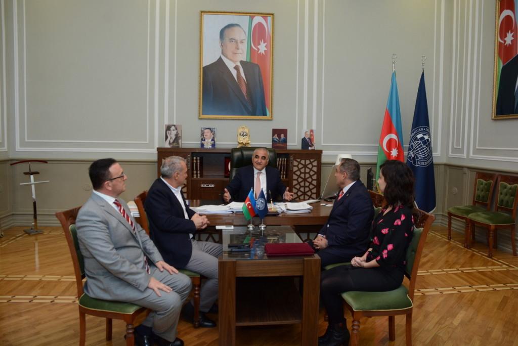 UNEC-də türk dilinin tədrisinə yeni yanaşma
